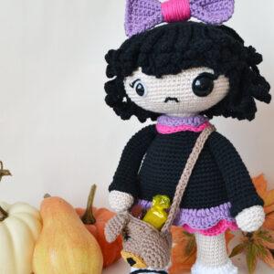 Patrón muñeca amigurumi – Esther la niña siniestra